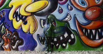 liu-bolin-graffiti-mural3-550x354